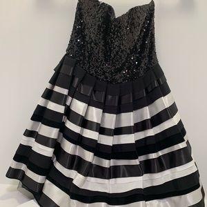 Alice + Olivia strapless dress size 6